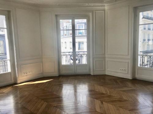 Location - Appartement 5 pièces - 157,3 m2 - Paris 16ème - Photo