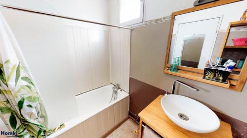 Sale - Apartment 5 rooms - 93 m2 - Marseille 13ème - Photo