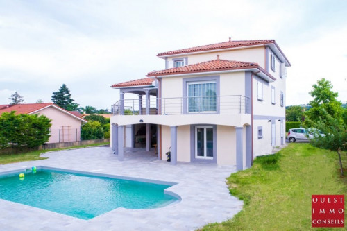 Vente - Villa 7 pièces - 200 m2 - Corbas - Photo