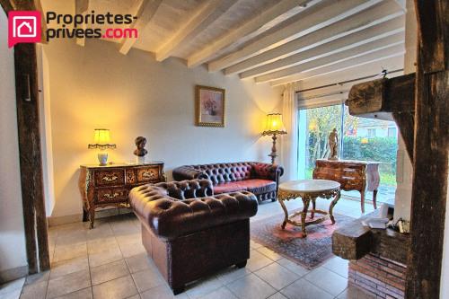 Vente - Maison / Villa 6 pièces - 279 m2 - Pellouailles les Vignes - Photo