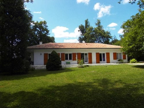 Location maison / villa 5 mn est cognac 915€ CC - Photo 2