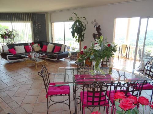 Venta de prestigio  - villa 5 habitaciones - 166 m2 - Saint Jeannet - Photo