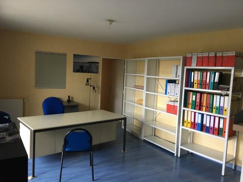 Verhuren  - Kantoren - 63,92 m2 - Dijon - Photo