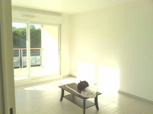 Location appartement Frejus 740€ CC - Photo 2