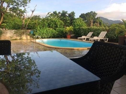 Sale house / villa St claude 336500€ - Picture 2