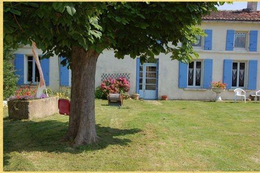 Sale house / villa Saint-hilaire-de-villefranche 157900€ - Picture 1