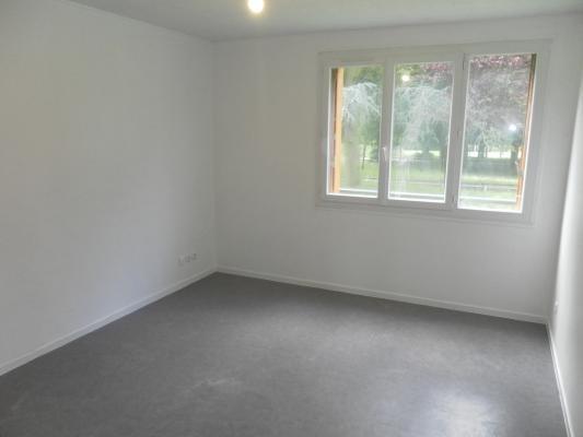 Location appartement Clichy-sous-bois 850€ CC - Photo 1
