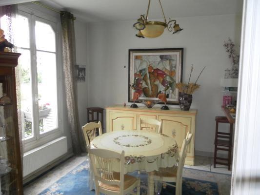 Sale apartment Le raincy 292000€ - Picture 1