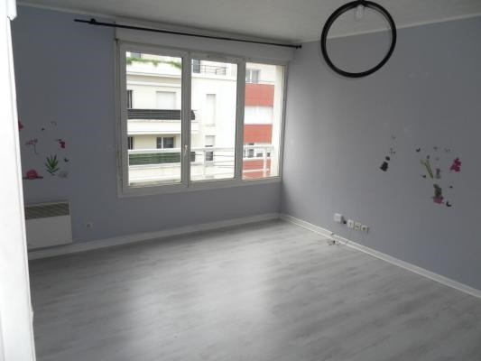 Sale apartment Livry-gargan 149 000€ - Picture 2