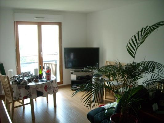 Rental apartment Villemomble 865€ CC - Picture 2