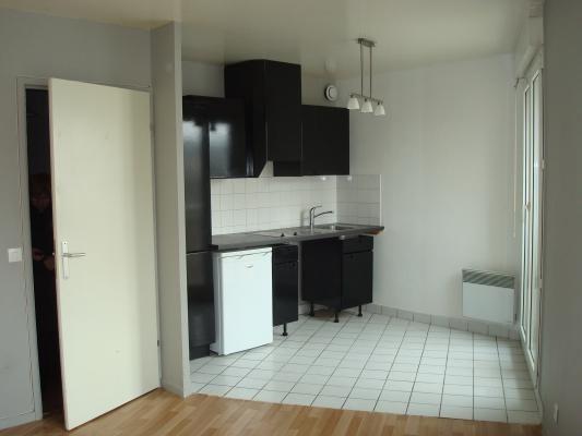 Rental apartment Villemomble 590€ CC - Picture 1
