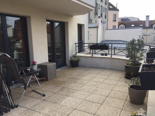 Sale apartment Le raincy 364000€ - Picture 2