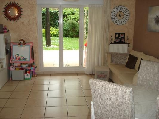 Sale apartment Livry-gargan 299 000€ - Picture 3