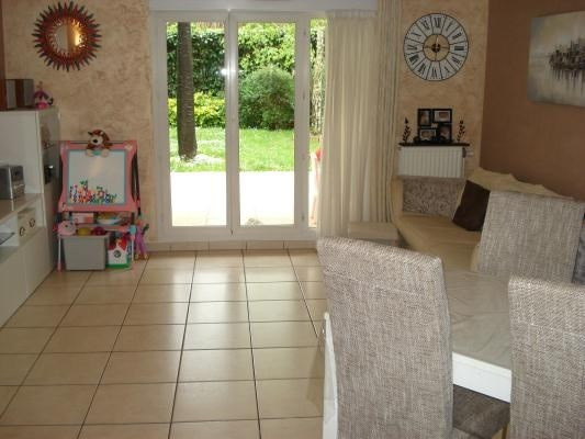 Sale apartment Livry-gargan 299 000€ - Picture 2