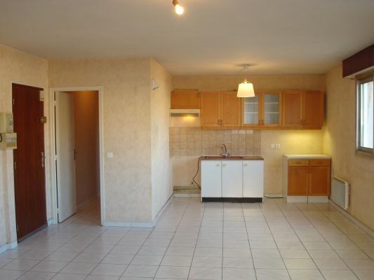 Location appartement Les pavillons-sous-bois 750€ CC - Photo 2