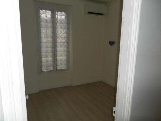 Location appartement Les pavillons-sous-bois 900€ CC - Photo 4