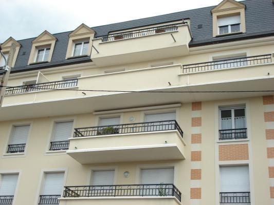 Rental apartment Livry-gargan 850€ CC - Picture 1