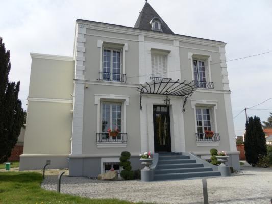 Sale house / villa Aulnay-sous-bois 890000€ - Picture 1