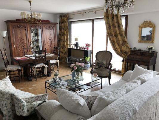 Sale apartment Villemomble 220000€ - Picture 2