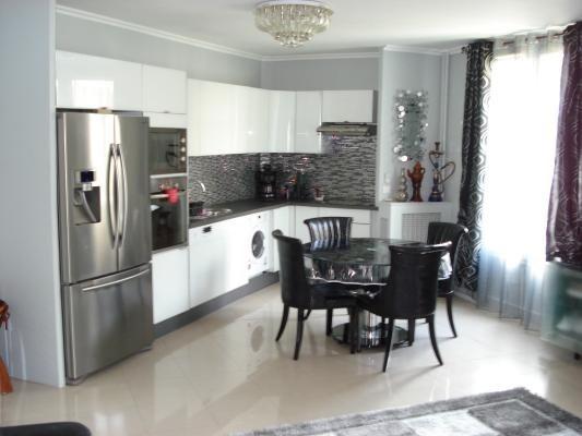 Sale apartment Le raincy 263000€ - Picture 1