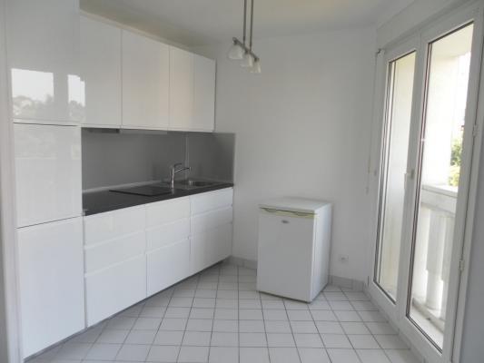 Rental apartment Villemomble 595€ CC - Picture 2