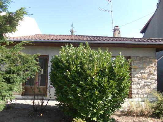 Sale house / villa Montfermeil 262000€ - Picture 1