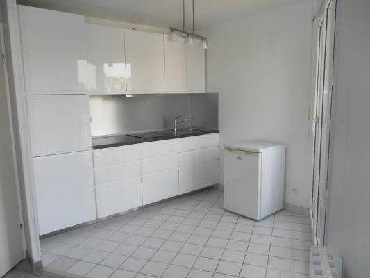 Rental apartment Villemomble 595€ CC - Picture 1