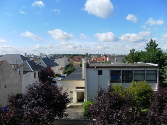 Sale apartment Le raincy 175000€ - Picture 3