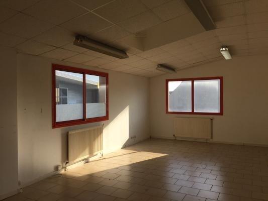 Location bureau Chanteloup-en-brie 450€ CC - Photo 6
