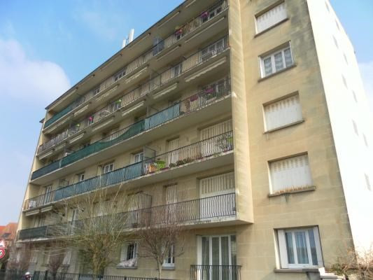 Rental apartment Livry-gargan 940€ CC - Picture 1