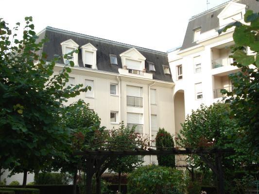 Rental apartment Livry-gargan 795€ CC - Picture 1