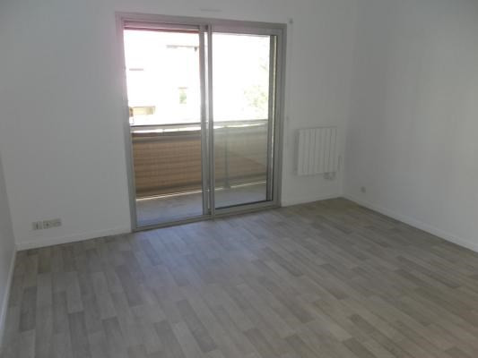 Location appartement Livry-gargan 595€ CC - Photo 2