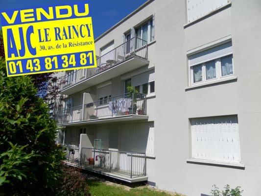 Sale apartment Le raincy 200000€ - Picture 1