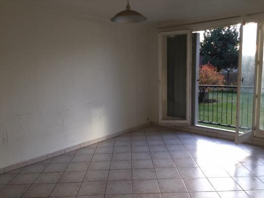 Rental apartment Les pavillons-sous-bois 550€ CC - Picture 2
