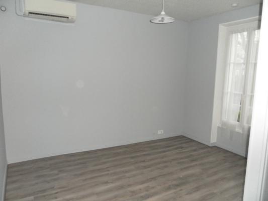 Location appartement Les pavillons-sous-bois 900€ CC - Photo 2