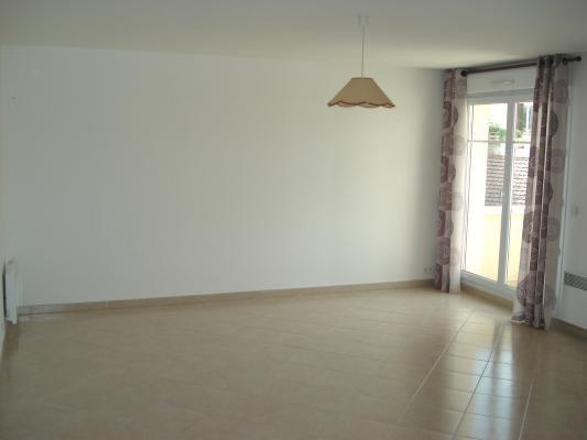 Rental apartment Livry-gargan 850€ CC - Picture 2