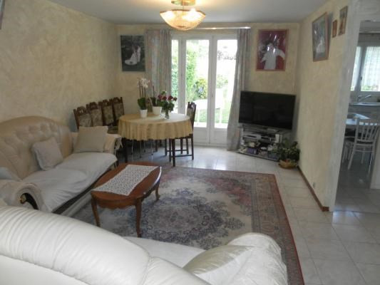 Sale house / villa Courtry 274 000€ - Picture 2