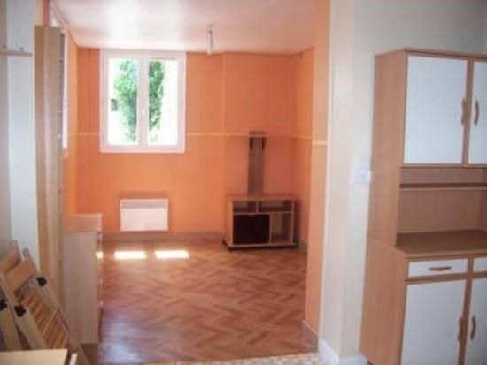 Location appartement Laval 300€ CC - Photo 1