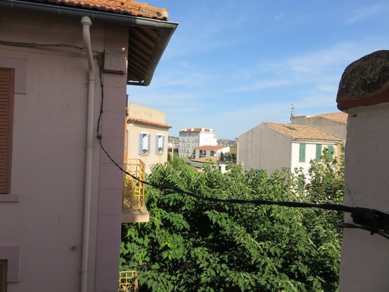 Vacation rental apartment Bandol 725€ - Picture 1