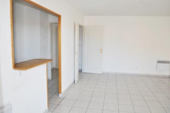 Location appartement Marseille 16ème 939€ CC - Photo 2