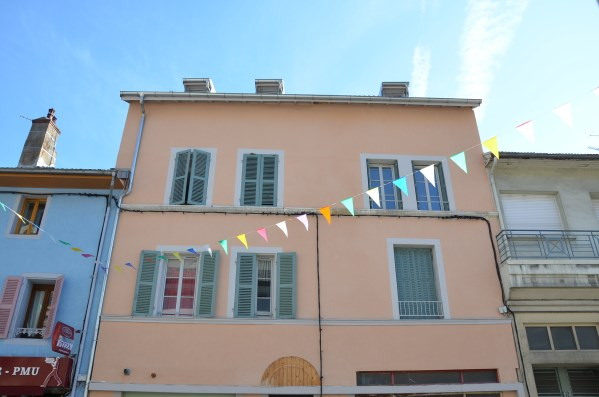 Rental apartment Nantua 327€ CC - Picture 1