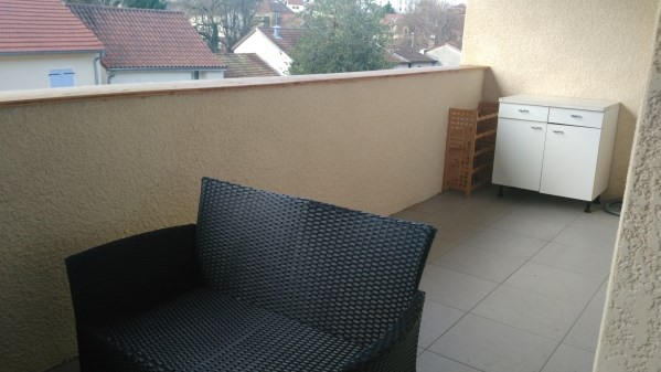 Rental apartment Cremieu 611€ CC - Picture 2