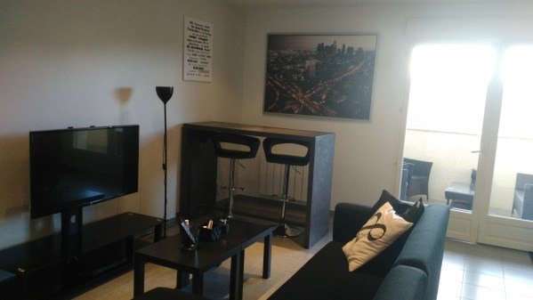 Rental apartment Cremieu 611€ CC - Picture 3