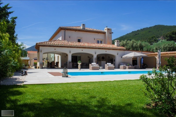 Villa t7 piscine