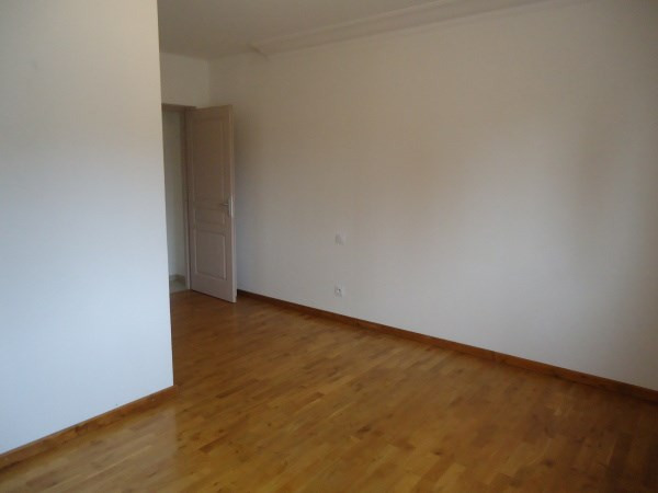 Rental apartment Chavanoz 710€ CC - Picture 5