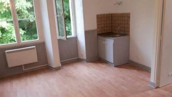 Rental apartment Lardy 560€ CC - Picture 2