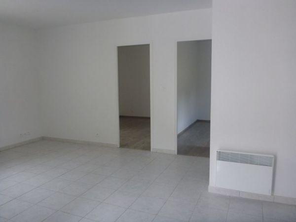 Rental apartment D'huison longueville 850€ CC - Picture 2