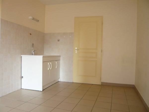 Rental apartment Bourgoin jallieu 445€ CC - Picture 4