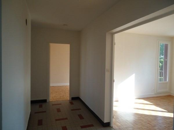 Rental apartment Pont de cheruy 680€ CC - Picture 3