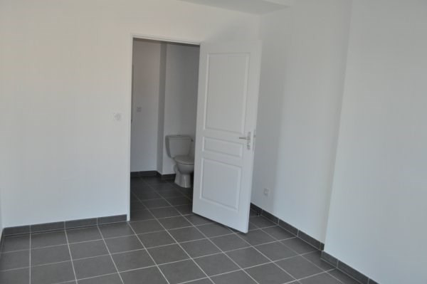 Location appartement Marseille 16ème 720€ CC - Photo 5